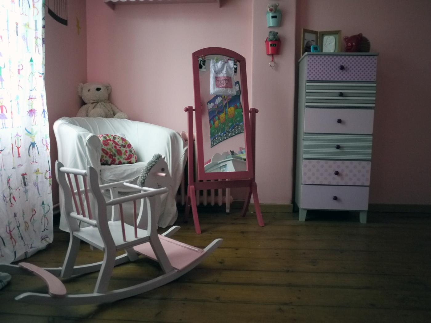 table rabattable cuisine paris aubaines meubles roubaix. Black Bedroom Furniture Sets. Home Design Ideas